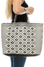 Wholesale Circle Bags - Black/White Plastic Woven Tote