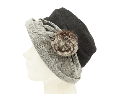 3ab71a9550a9c wholesale winter hats bucket with fur pom