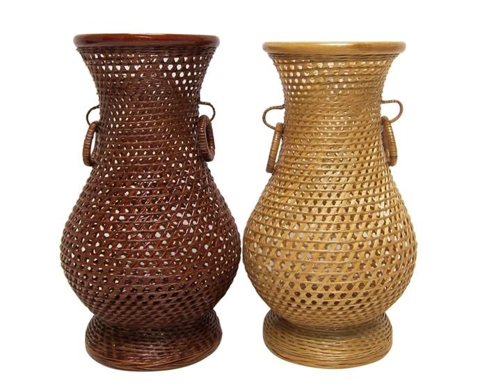 Woven bamboo flower vase min